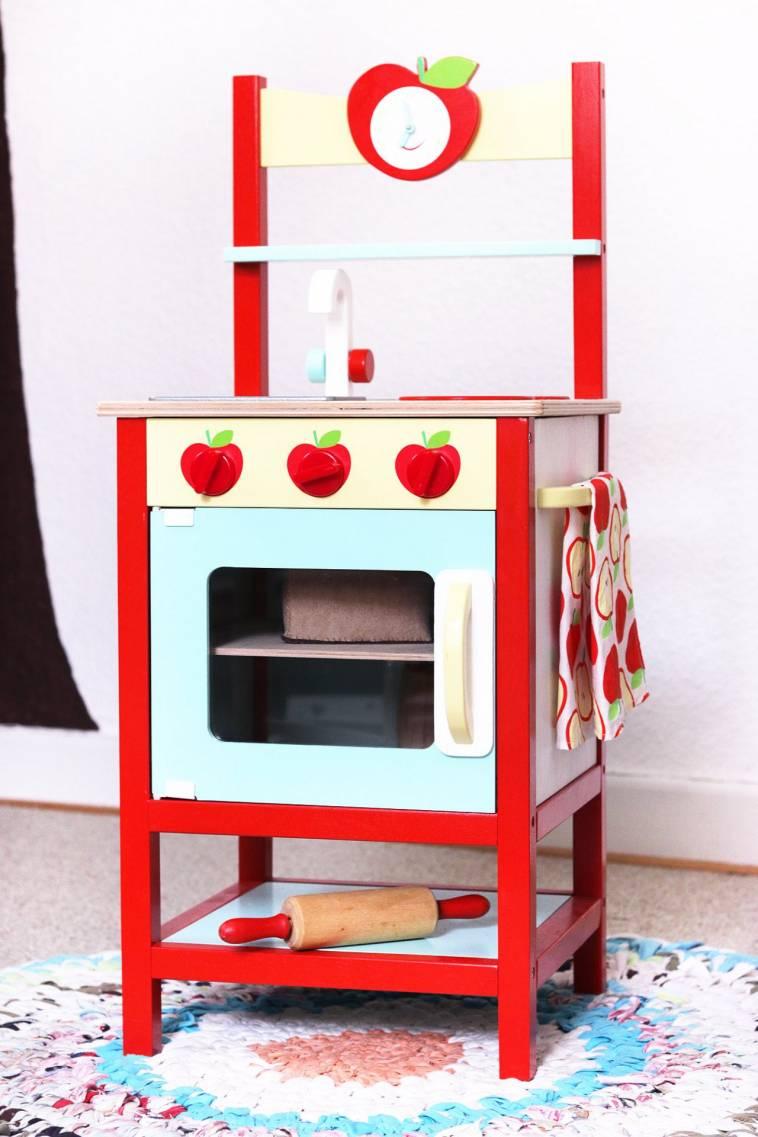 Fantastisch Holz Kinderküche Im Apfellook. Spielküche ...
