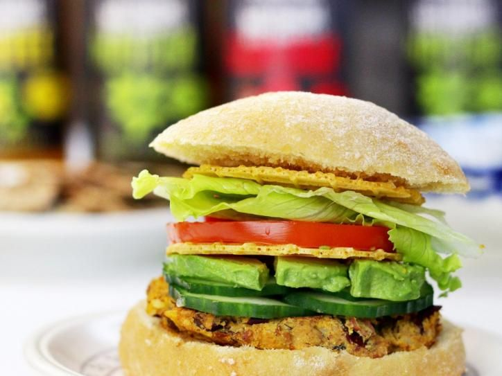 leckere party ohne fleisch einfaches burger rezept. Black Bedroom Furniture Sets. Home Design Ideas