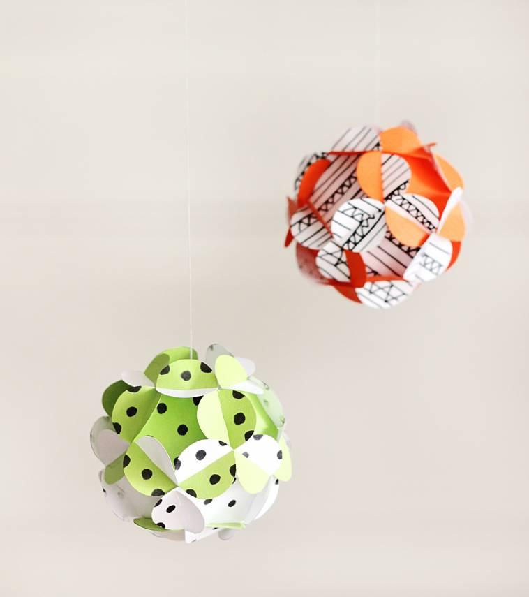 Diy papierkugeln dekoration selber machen mobile basteln ich lebe gr n - Papierkugeln basteln ...